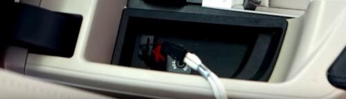 USB poort navigatie onder armleuning