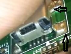 barsten soldeersel oplaadconnector